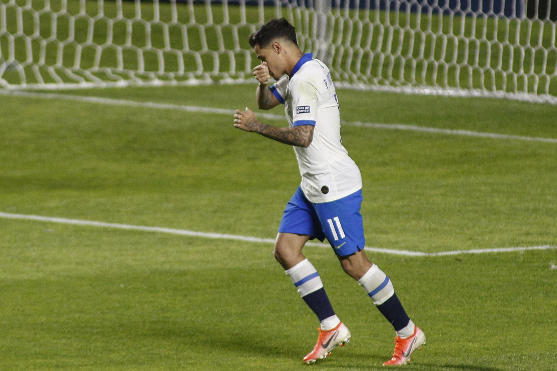 El brasileño Philippe Coutinho celebra después de marcar contra Bolivia durante su partido de torneo de fútbol de la Copa América .Foto: AFP