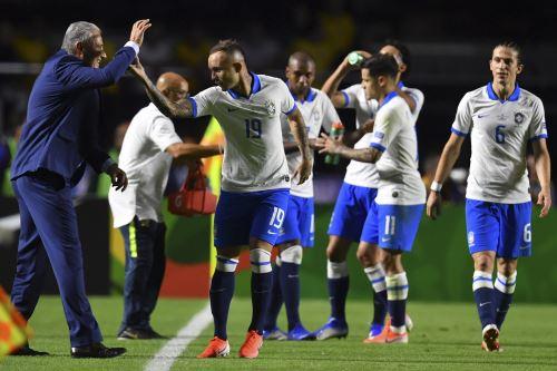 Brasil ganó 3-0 a Bolivia en partido inagural de la Copa América