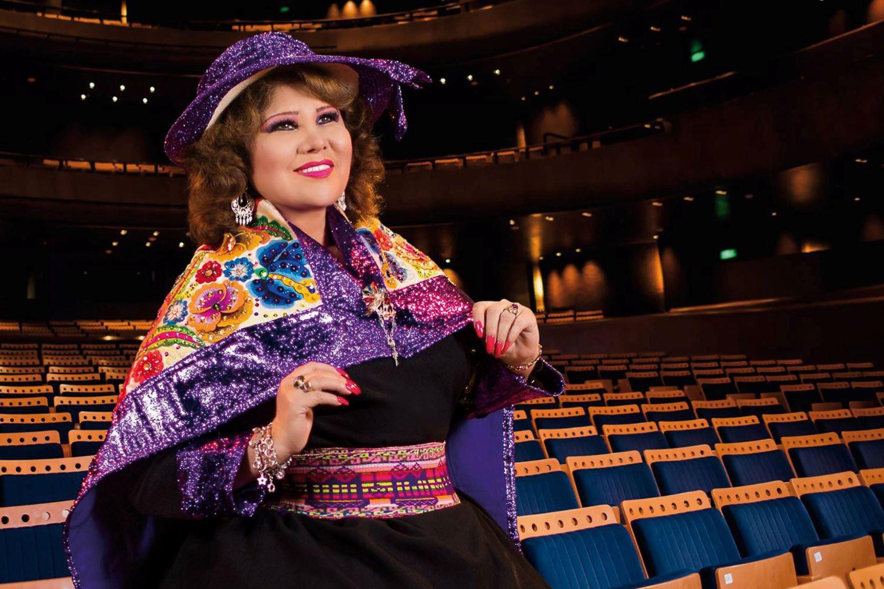 """Cantante de música andina , Amanda Portales, conocida también como la """" novia del Perú """". Foto: ANDINA/Difusión"""
