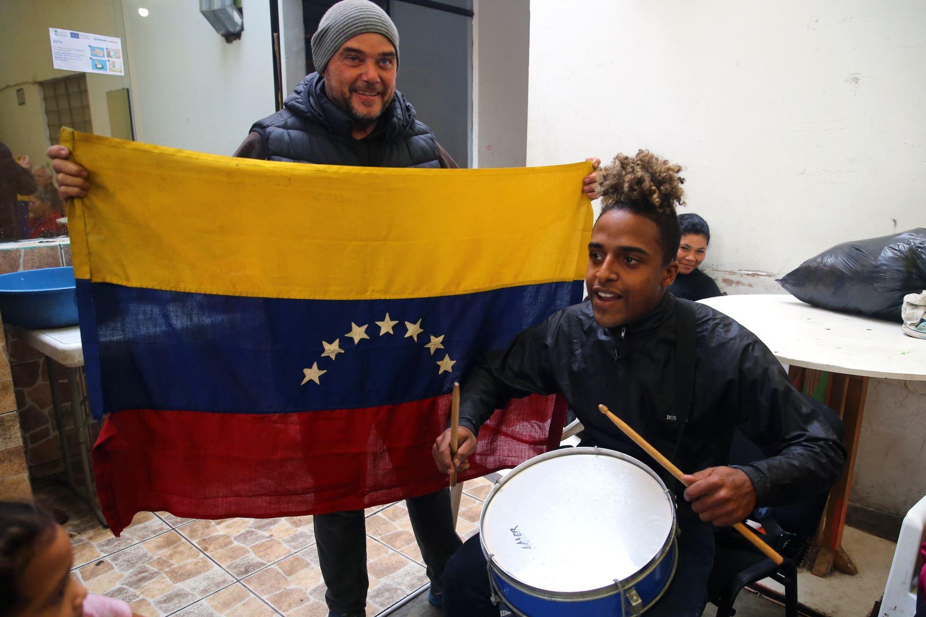 Expectativa en hinchas venezonalos previo al partido entre Perú y Venezuela por la Copa América. Foto: ANDINA/Vidal Tarqui