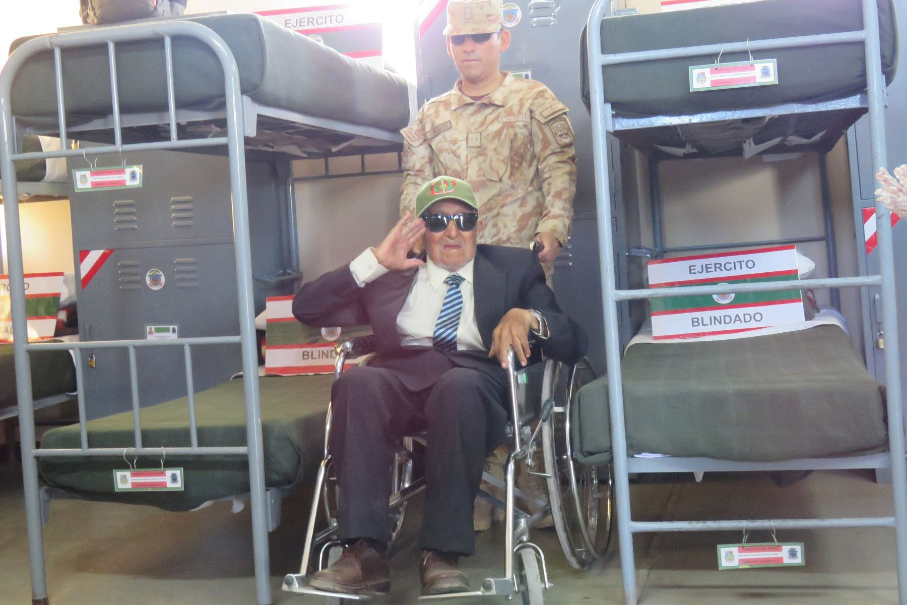 Don Rafael Sanjinéz Mamani, el hombre más longevo de la región Moquegua, de joven formó parte del Regimiento de Caballería del Ejército del Perú. Foto: Difusión Pensión 65