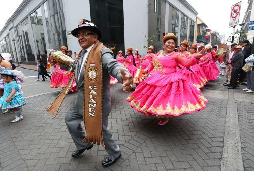 Limeños celebran el Día del Padre