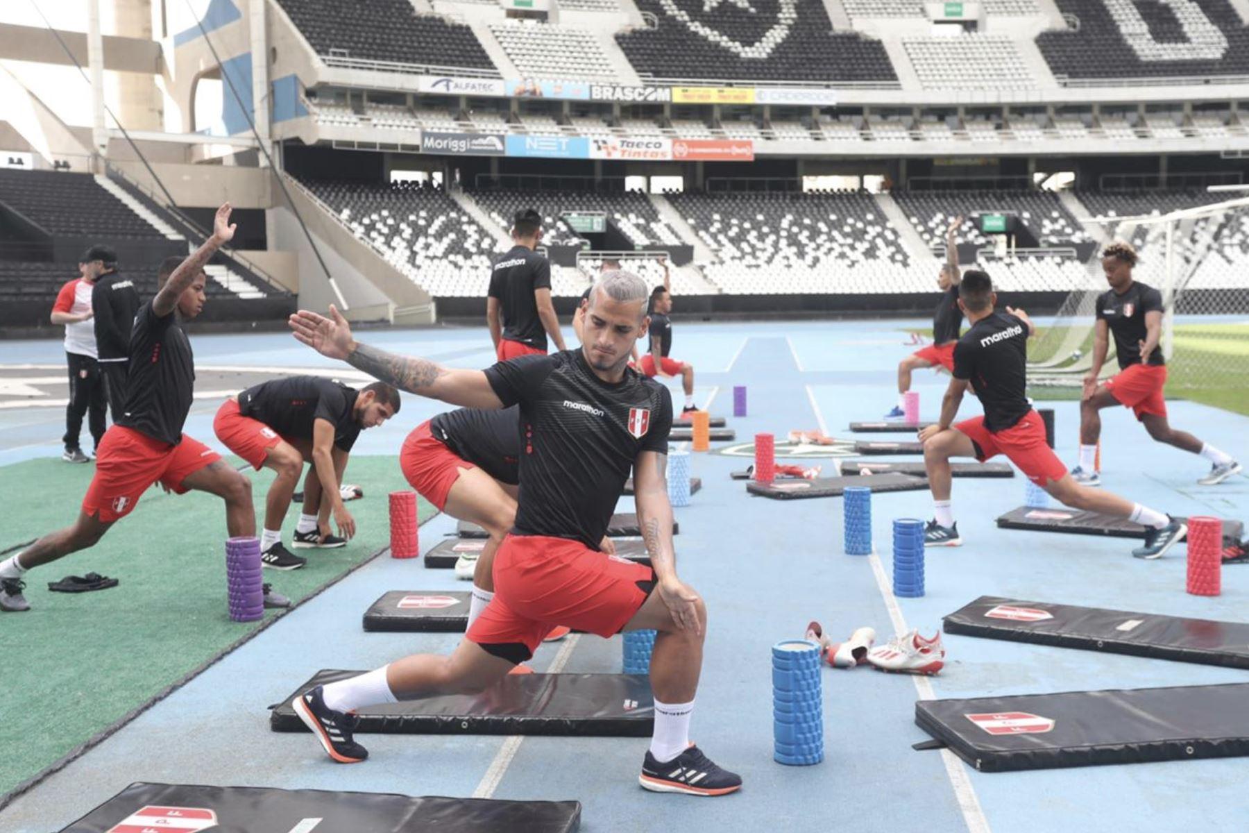 Sesión de entrenamiento en Río de Janeiro, Brasil, en la víspera del partido por el campeonato de fútbol de la Copa América contra Bolivia. Foto: FPF