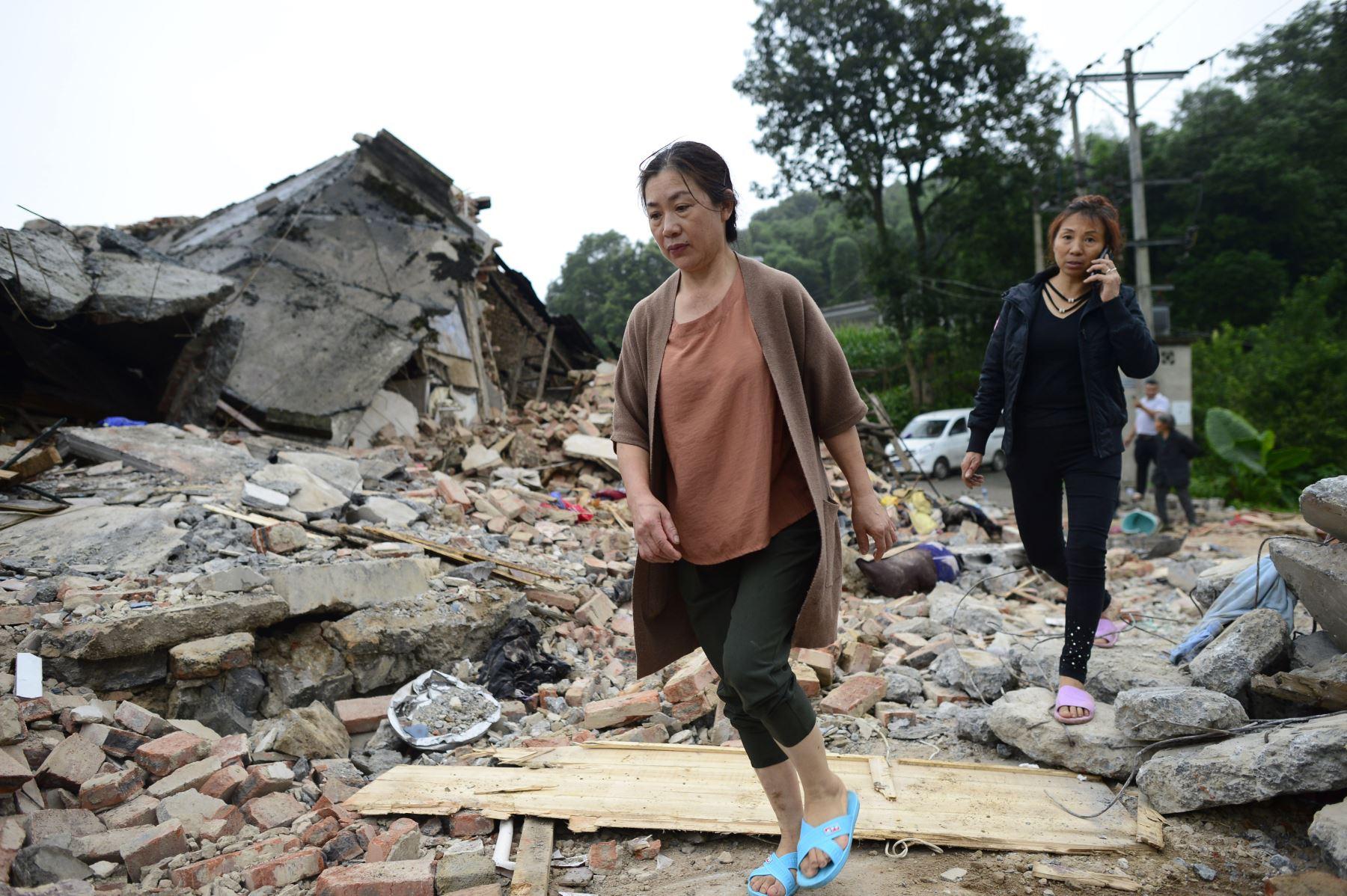Al menos 12 muertos y más de 122 heridos tras un terremoto en el centro de China. Foto: AFP