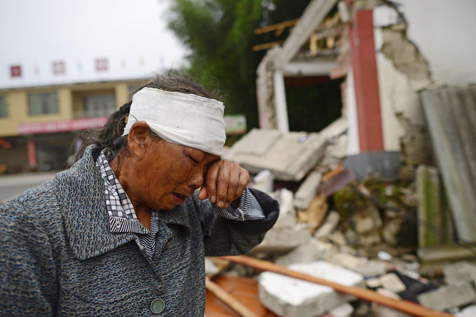 El fuerte terremoto de magnitud 6.0 en el sudoeste de China se elevó a 12 muertos y 134 heridos. Foto: AFP
