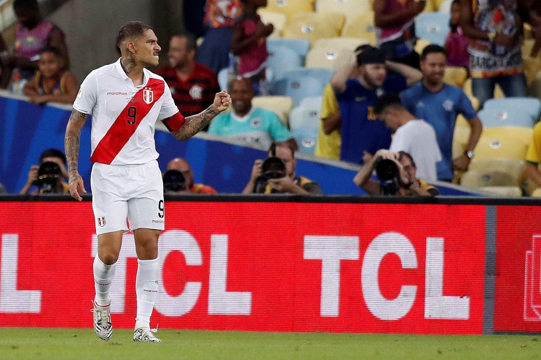 Paolo Guerrero de Perú durante el partido Bolivia-Perú del Grupo A de la Copa América de Fútbol 2019. Foto: EFE