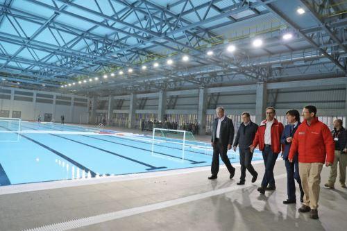El presidente de la República, Martín Vizcarra, inspecciona las instalaciones del Complejo Deportivo Andrés Avelino Cáceres