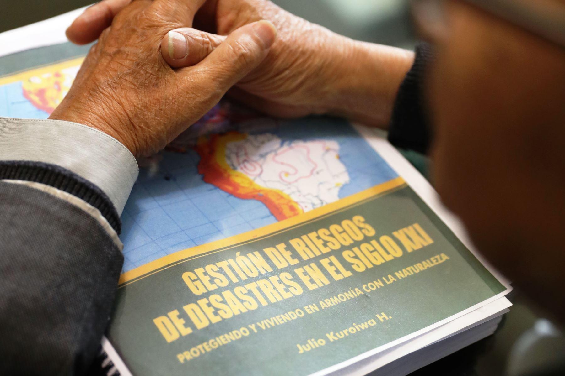 Publican libro de Julio Kuroiwa sobre gestión de riesgo de desastres. Foto: ANDINA/archivo.