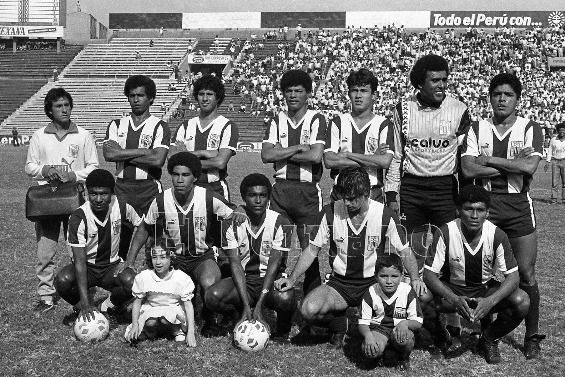 Lima - 8 noviembre 1987 / El cuadro de Alianza Lima que enfrentó a Unión Huaral por el torneo descentralizado.