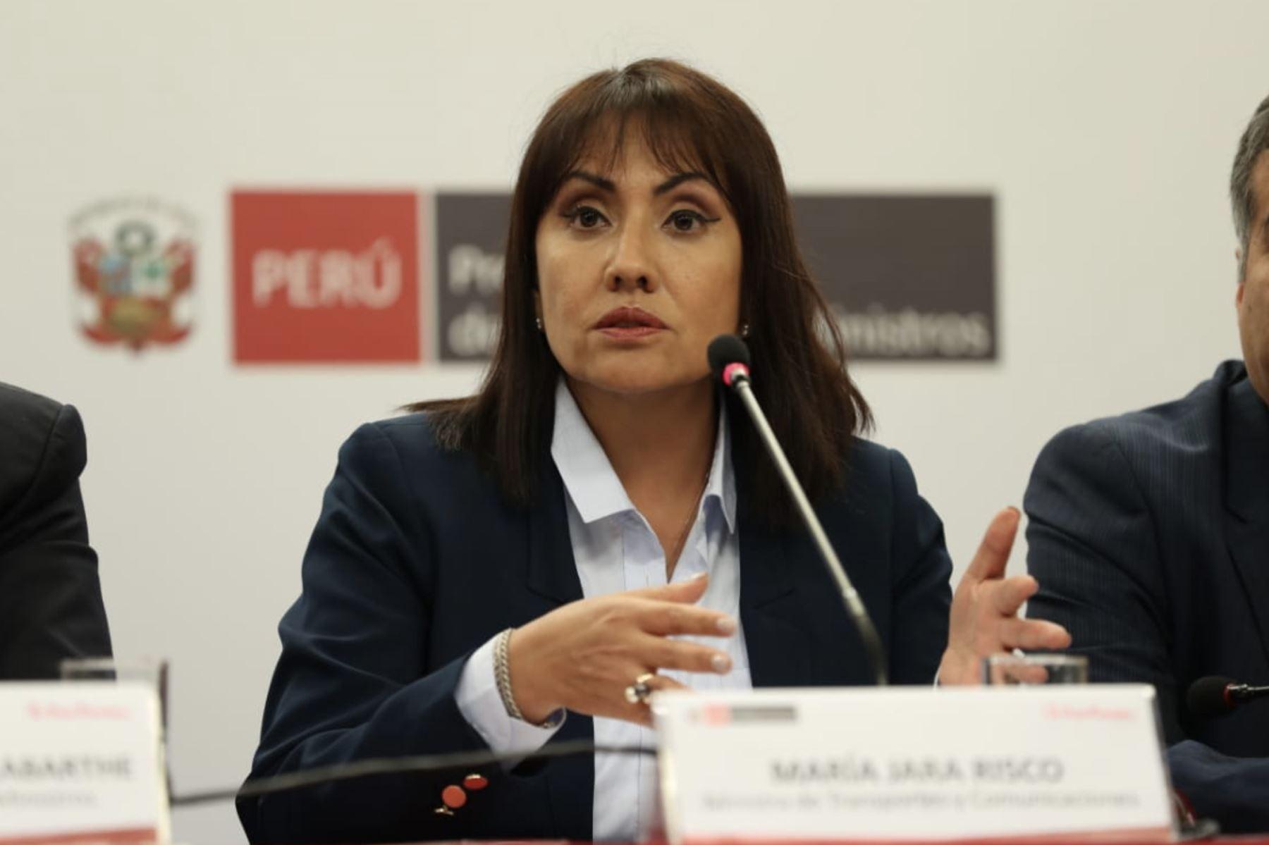 Ministra de Transporte, María Jara partcipa en conferencia junto al  primer Ministro Del Solar.  Foto: ANDINA/PCM
