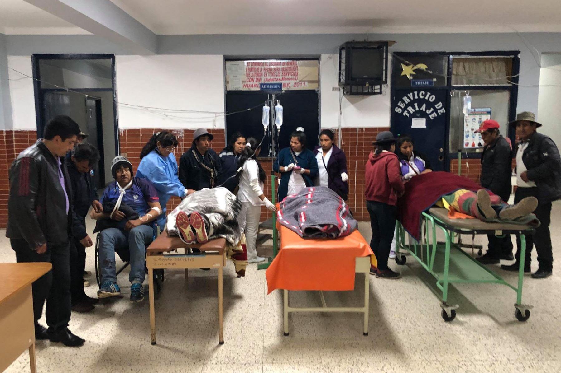 ANDINA/DifusiónUn muerto y 36 heridos deja el despiste de bus interprovincial en carretera de penetración ubicada en la provincia del Santa, en Áncash. ANDINA/Difusión
