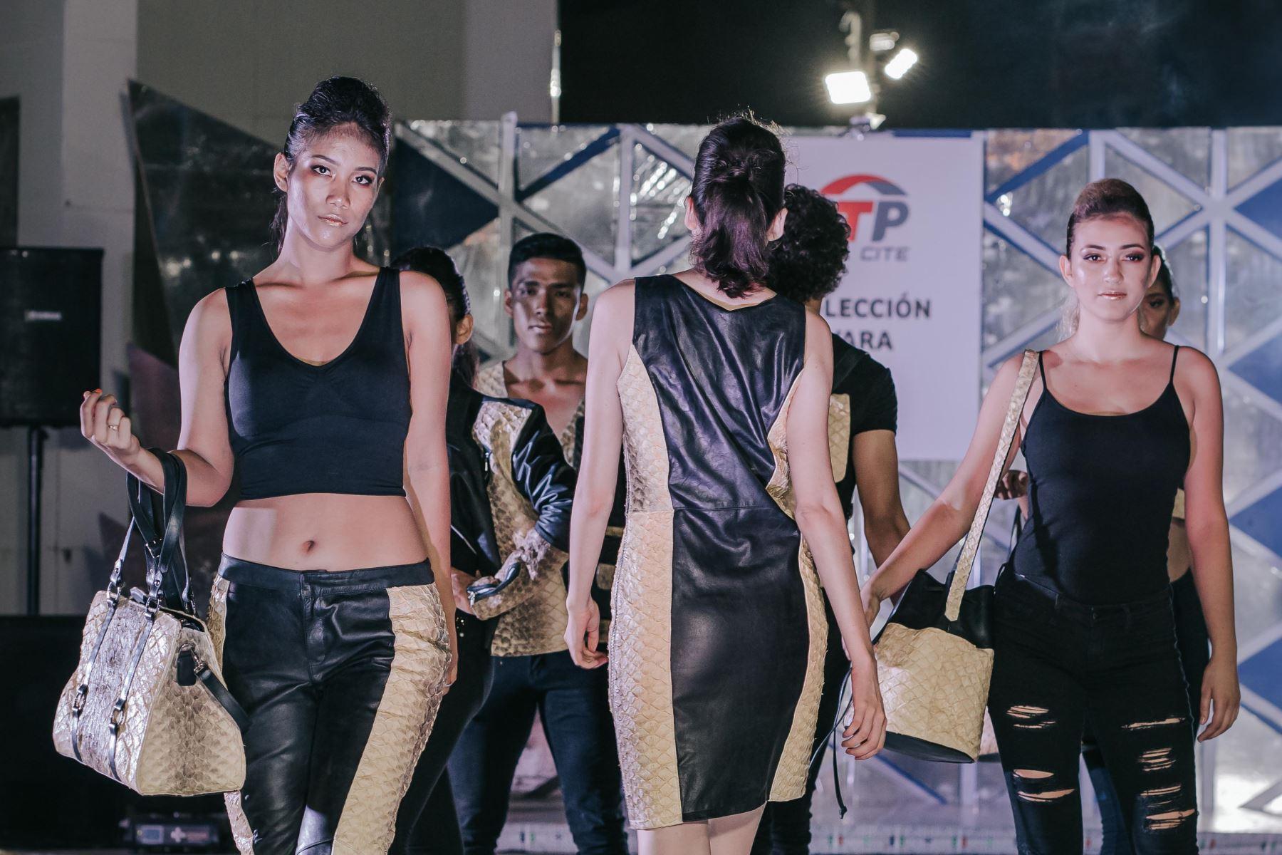 ANDINA/DifusiónITP presenta en Ucayali prendas, calzados y accesorios elaborados con piel de paiche. ANDINA/Difusión