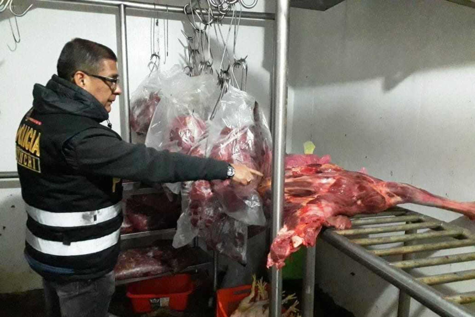 Policía decomisó 7 toneladas de carne de caballo en San Martín de Porres. Foto: ANDINA/Difusión.