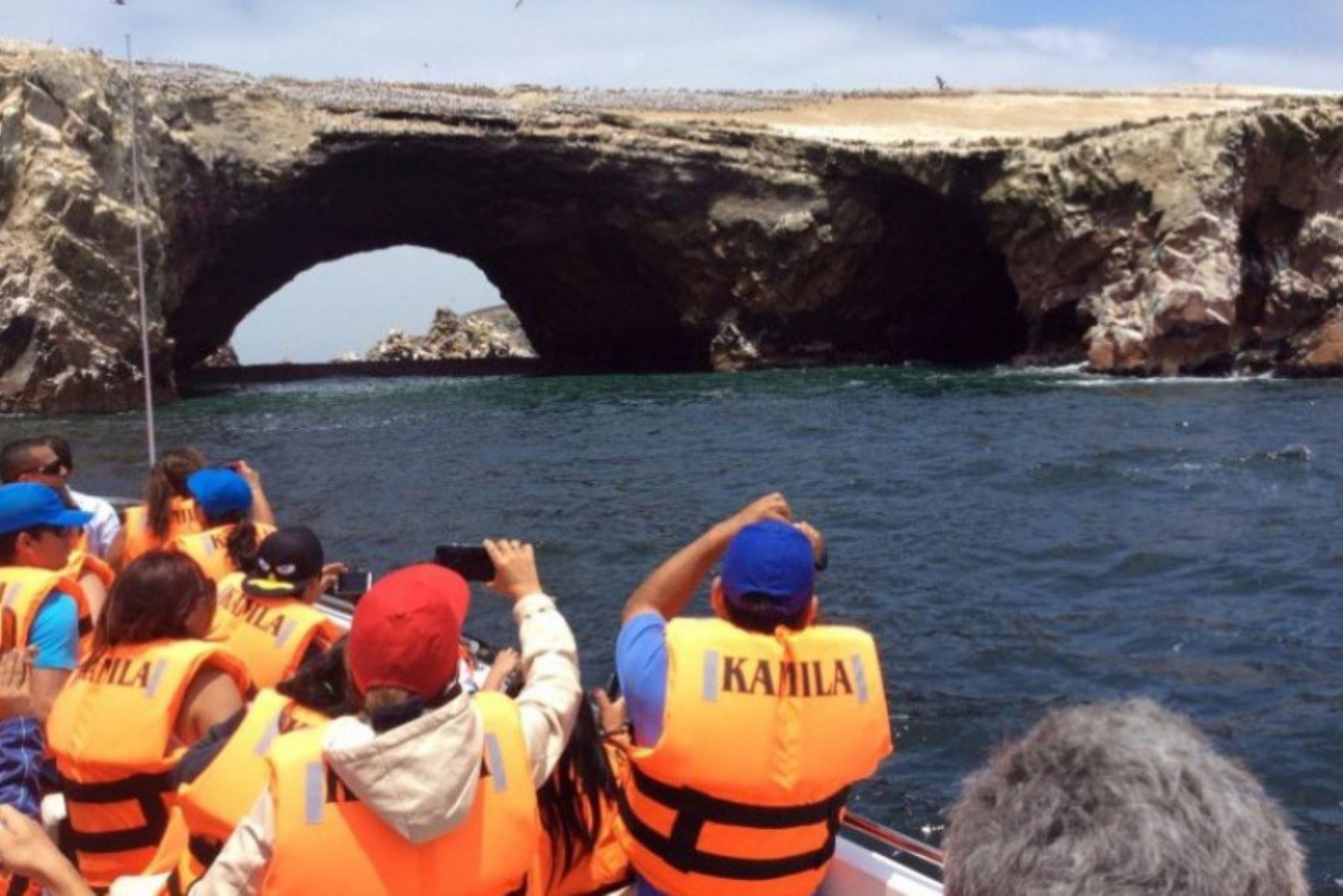 Más de 50,000 turistas, que dejarían cuatro millones de dólares en divisas, se prevé que visiten el balneario de Paracas, en la provincia de Pisco, región Ica.