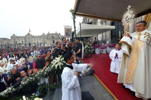 Miles de fieles participaron en la celebración de la Solemnidad del Corpus Christi 2019