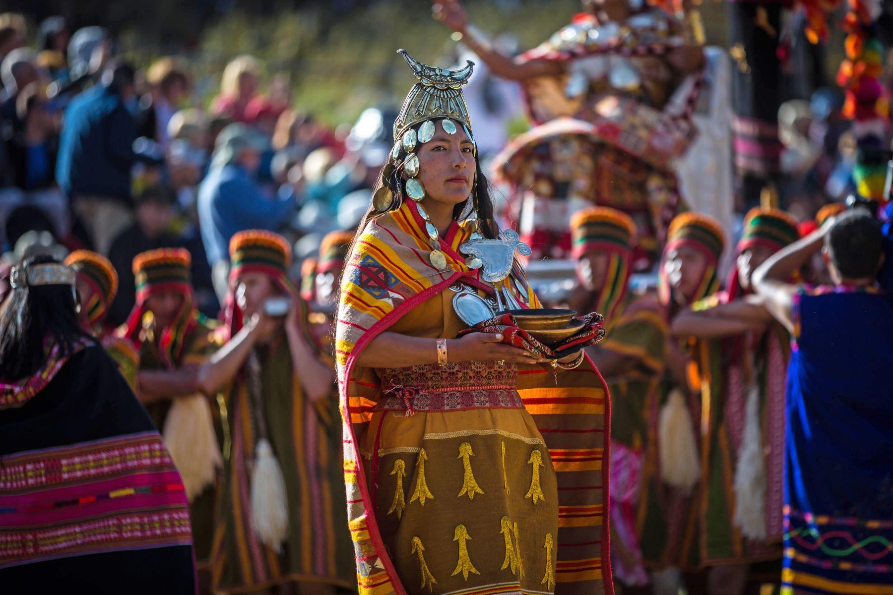 Tuvieron que transcurrir más de 400 años para que, en 1944, el Inti Raymi fuera reinstaurado en el Cusco con algunas variaciones respecto del rito original. Foto: ANDINA/EMUFEC
