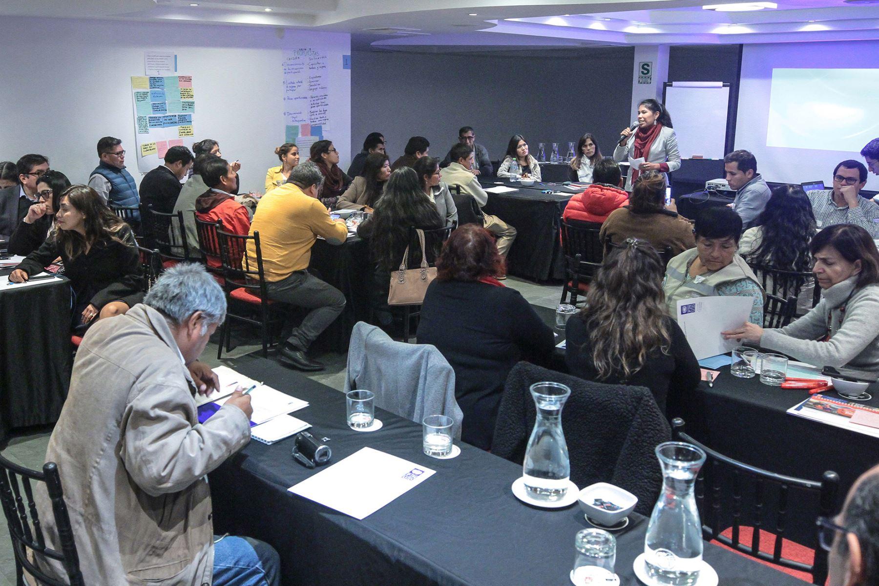 """Presentaron informe """"Gobernanza Ambiental y Participativa para la Gestión Sostenible de los Recursos Naturales en América Latina y el Caribe: Estudio de casos en el Perú"""". ANDINA/Difusión"""