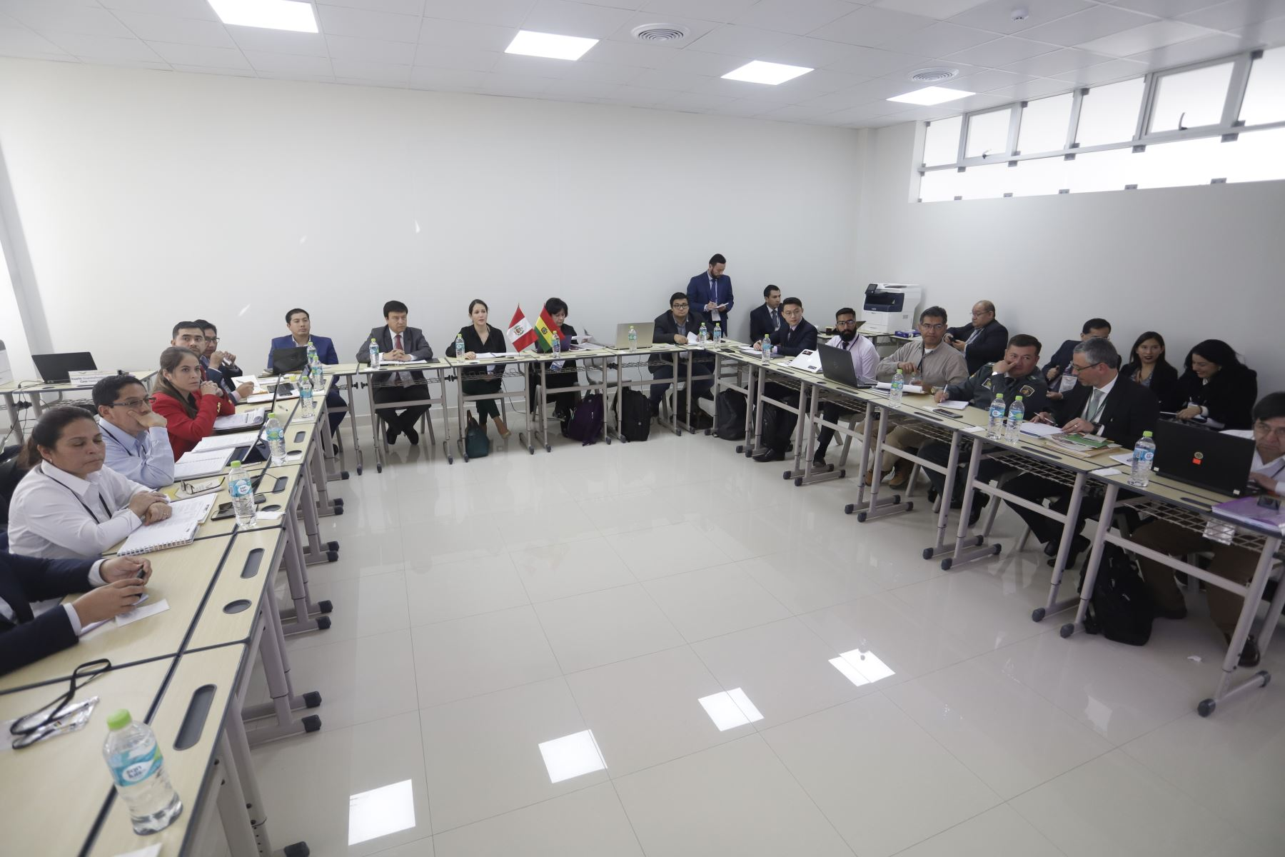 Inicio de gabinete binacional Perú - Bolivia, en el puerto de Ilo. Foto.ANDINA/Prensa Presidencia