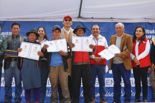 Presidente Vizcarra entregó títulos de propiedad rural en la región La Libertad por el Día del Campesino