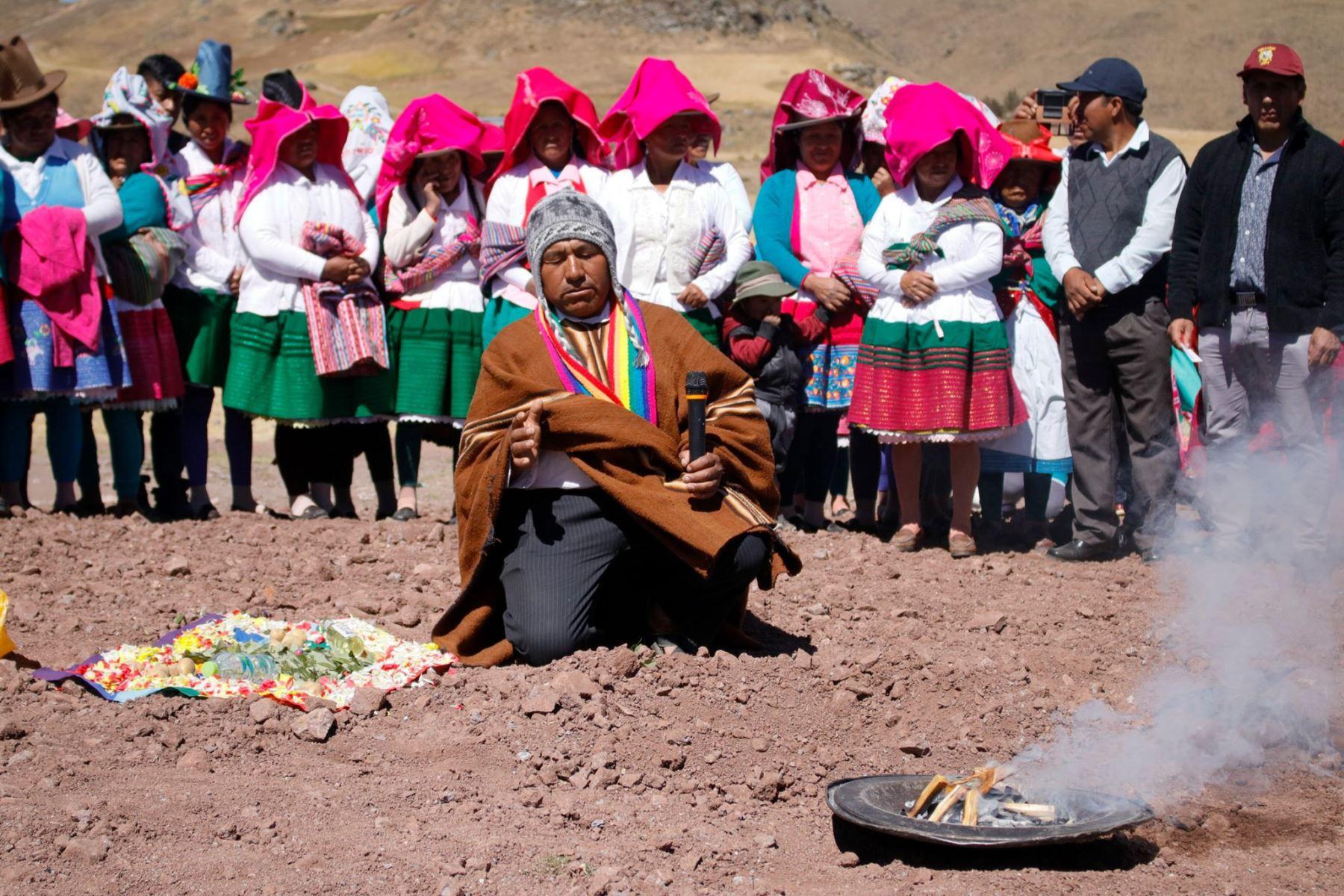 Comunidades de la región Áncash celebraron el Día del Campesino con ceremonias de pago a la tierra. Foto: ANDINA/Gonzalo Horna