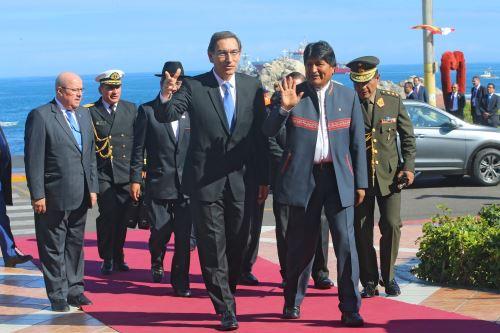 El Presidente de la República, Martín Vizcarra, y su homólogo de Bolivia, Evo Morales, llegan al Encuentro Presidencial y V Gabinete Binacional entre ambos países