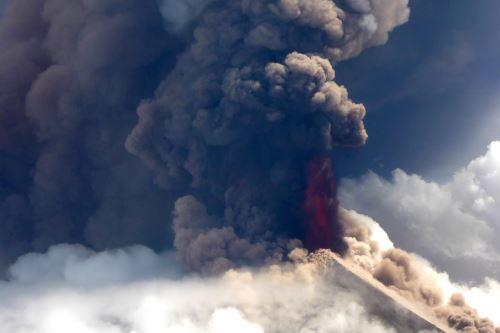 Papúa Nueva Guinea: El volcán Ulawun entra en erupción