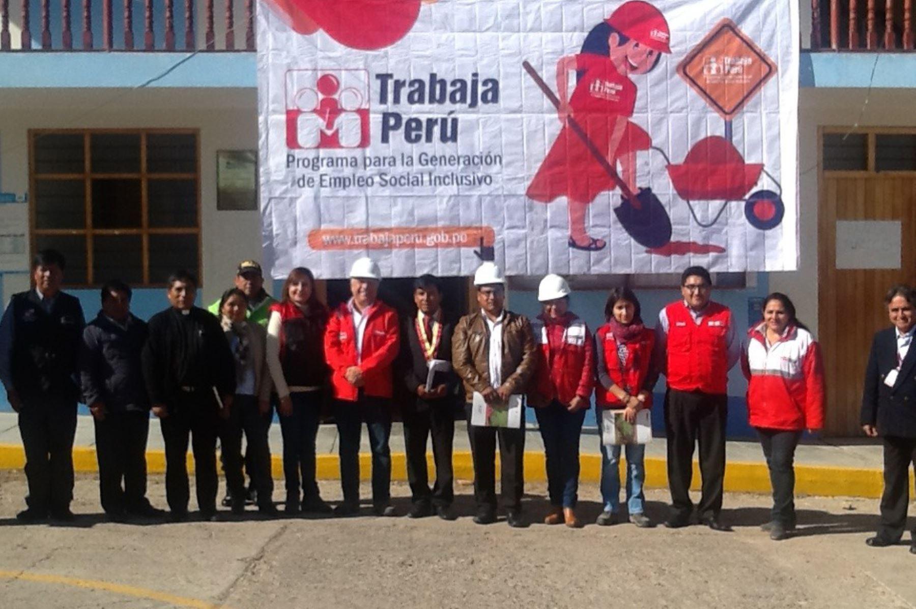 El viceministro de Promoción del Empleo y Capacitación Laboral, Javier Palacios, visitó el distrito de Huamanguilla, en la región Ayacucho.