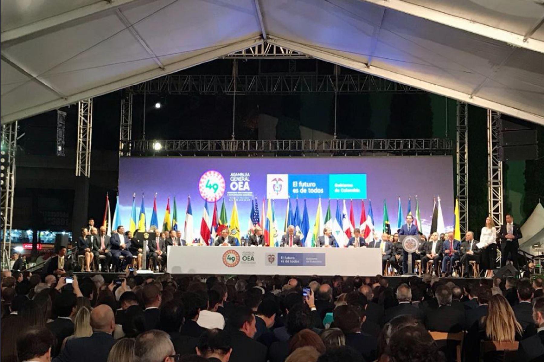 Canciller participa en inauguración de la Asamblea General de la OEA