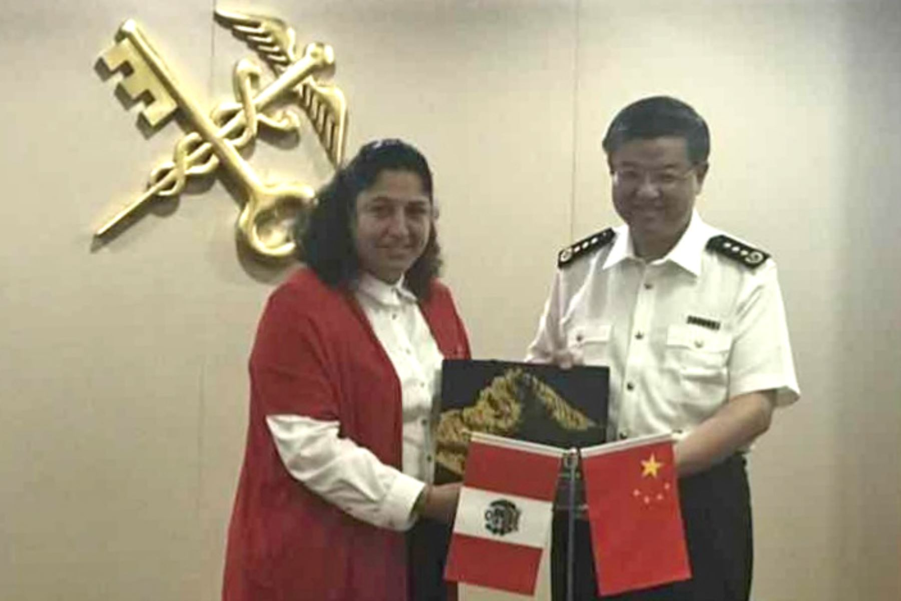 Ministra de Agricultura, Fabiola Muñoz, firmó protocolo para la exportación de la quinua a China.