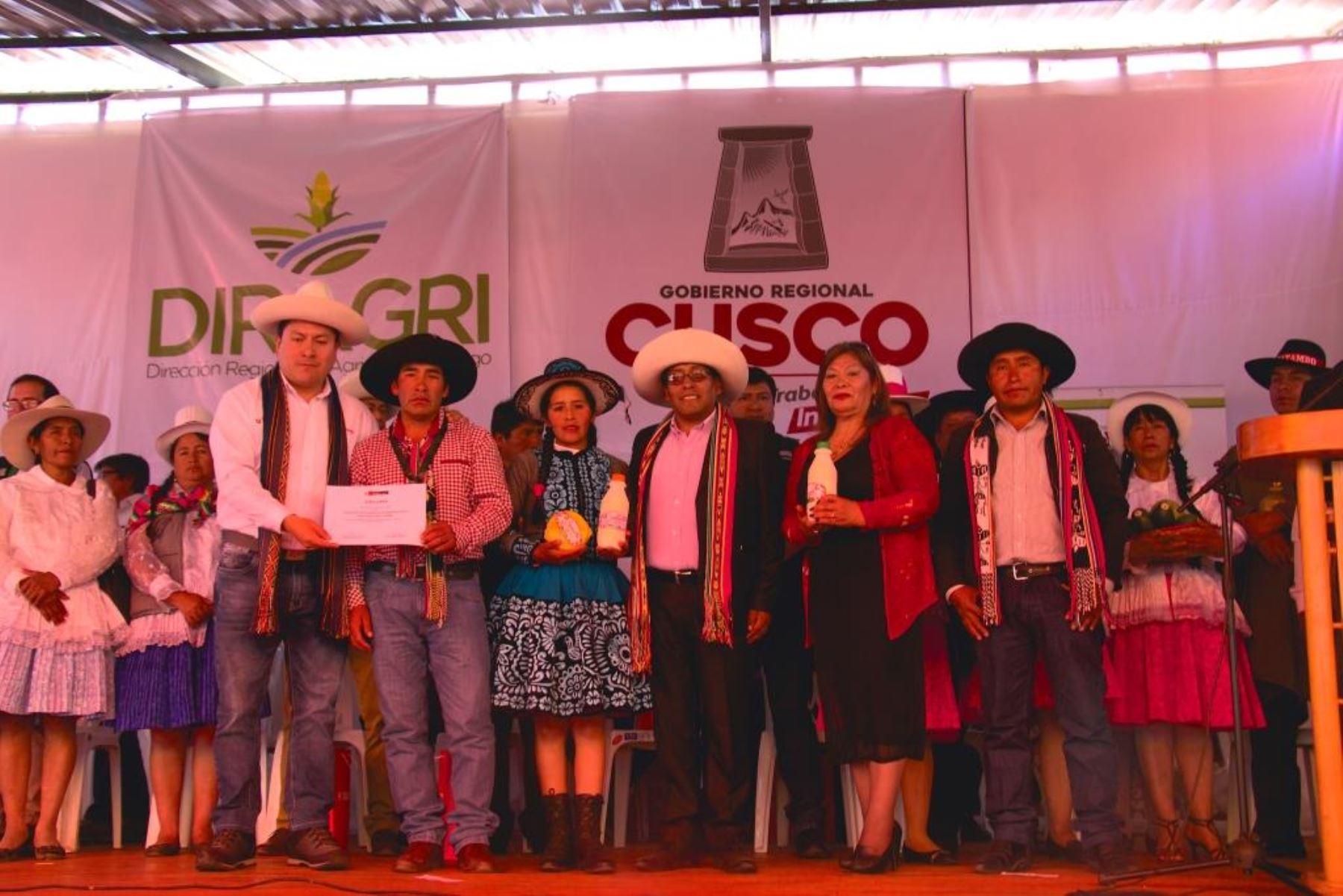 Minagri otorga reconocimiento a planta procesadora de leche de Chumbivilcas, en Cusco.