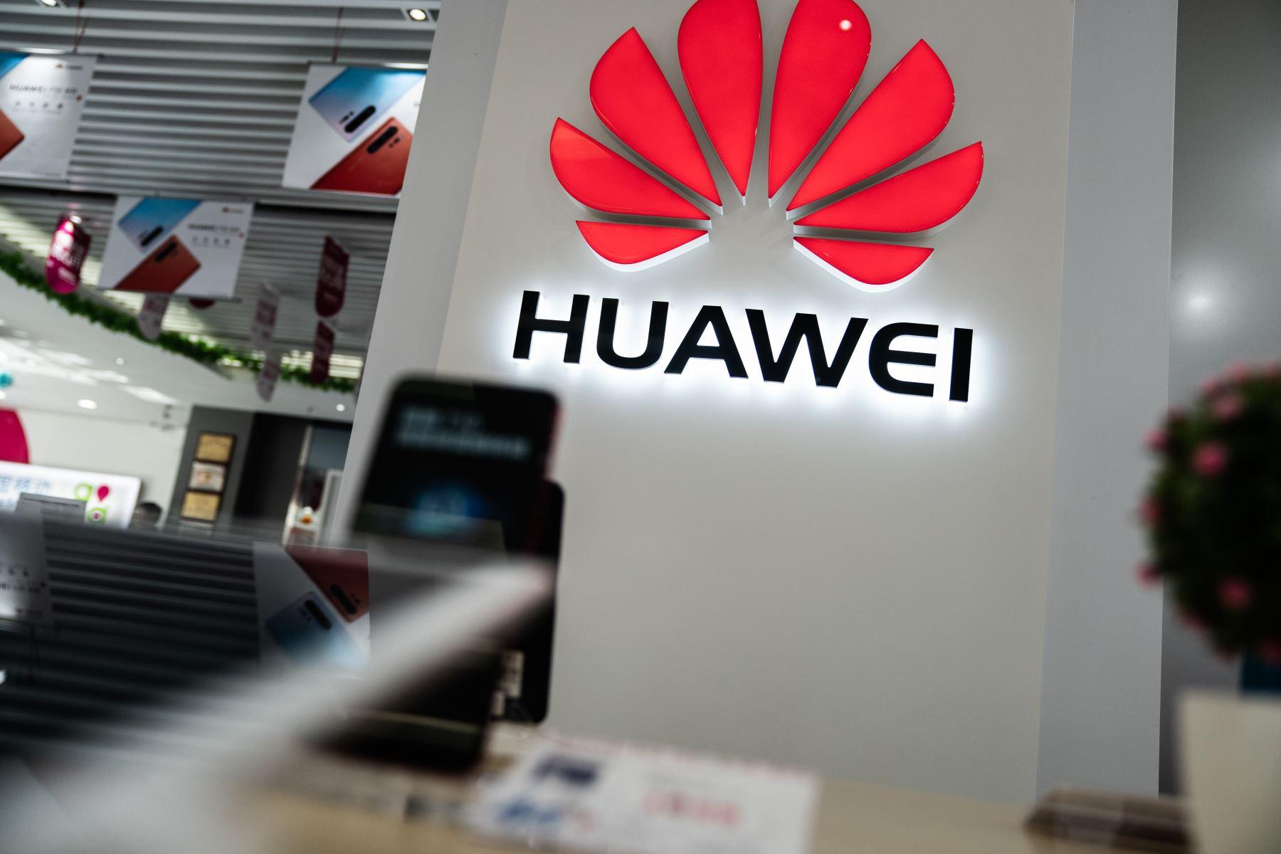 La Casa Blanca permitirá a las empresas estadounidense que vendan productos al fabricante chino Huawei