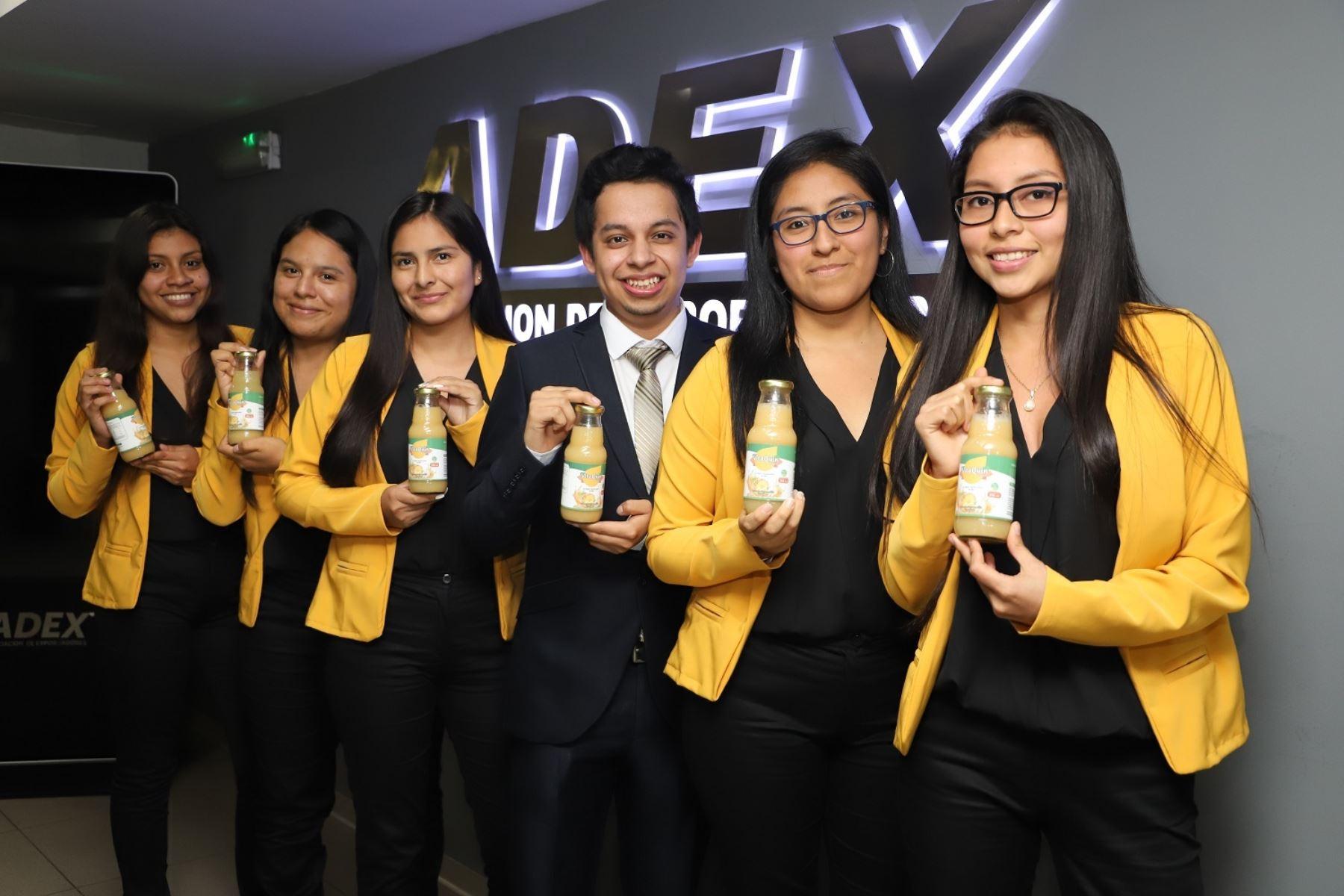 Jóvenes emprendedores en la exportación. Foto: Cortesía.