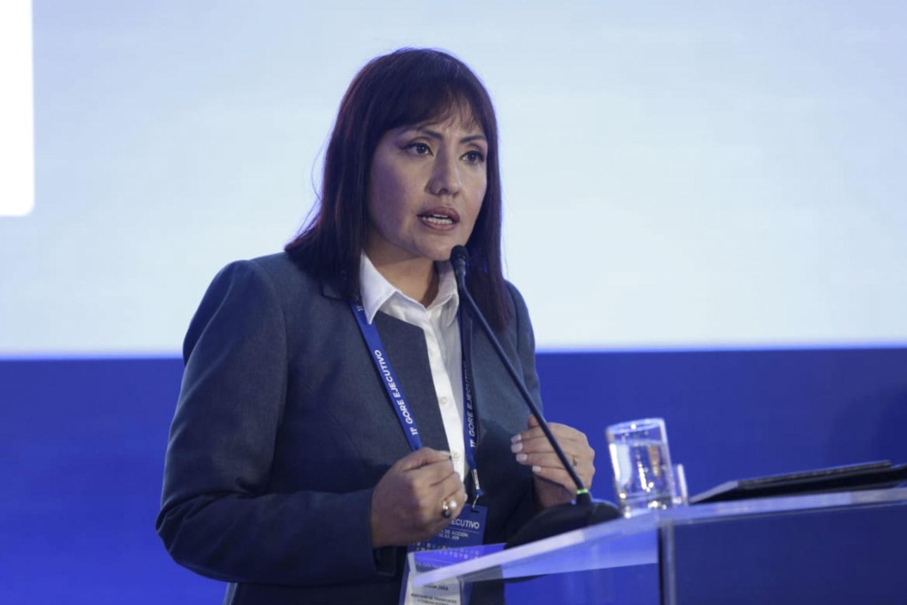 María Jara Risco ministra de Transportes y Comunicaciones  en el 11º Gore Ejecutivo. Foto: ANDINA/PCM