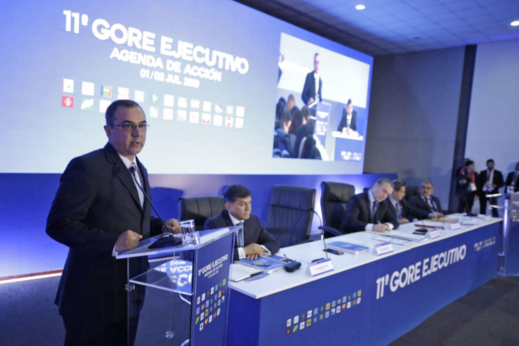 Ministro de Economía y Finanzas, Carlos Oliva, participa en 11 Gore Ejecutivo, donde presenta los avances en ejecución presupuestal.