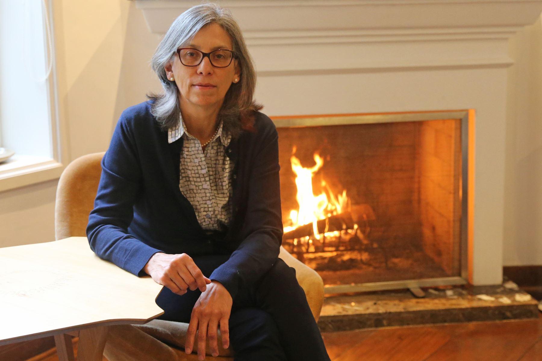 Gisella Orjeda Fernández, presidenta ejecutiva del Inaigem es científica, estudió el genoma de la papa, fue presidenta del Concytec y es una apasionada impulsora de la ciencia, tecnología e investigación en el Perú.