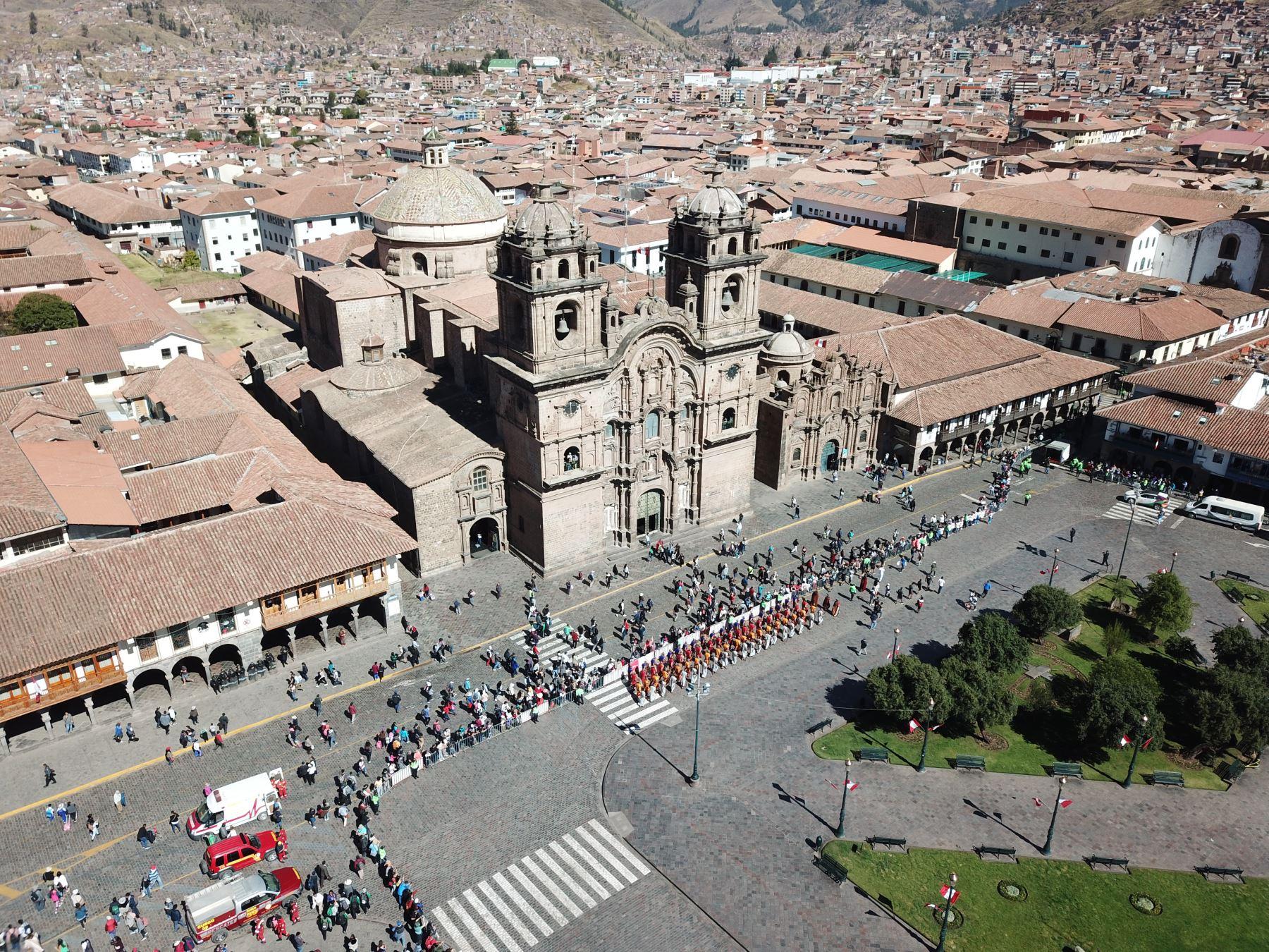 """Los llamados """"Oscar del Turismo"""" seleccionaron a Machu Picchu, el Cañón del Colca, el balneario de Máncora, y las ciudades de Cusco y Lima como los principales representantes del país para competir en la gala más importante de la industria de viajes. ANDINA/Juan Carlos Guzmán"""