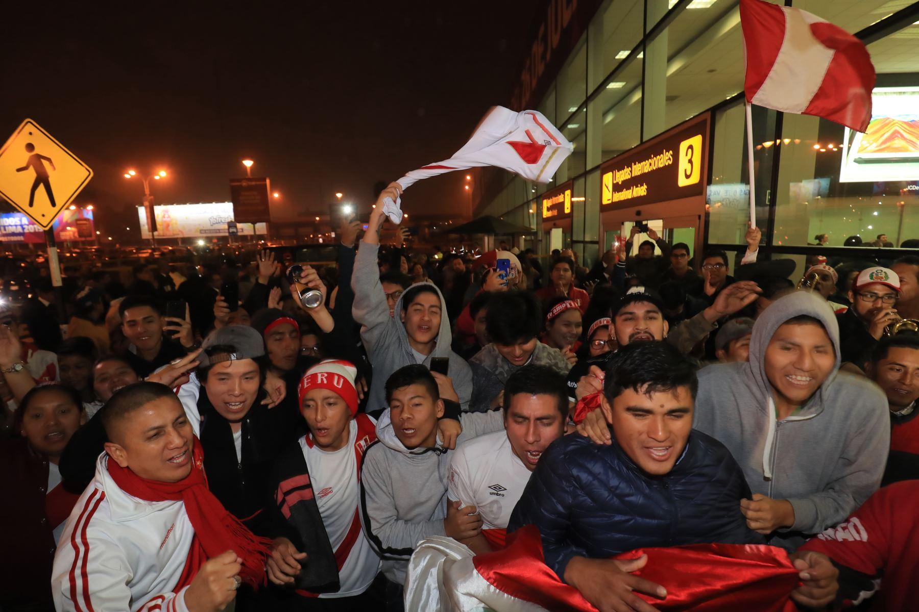 Jugadores peruanos fueron recibidos como héroes a su llegada a Lima. Foto: ANDINA/ Juan Carlos Guzman