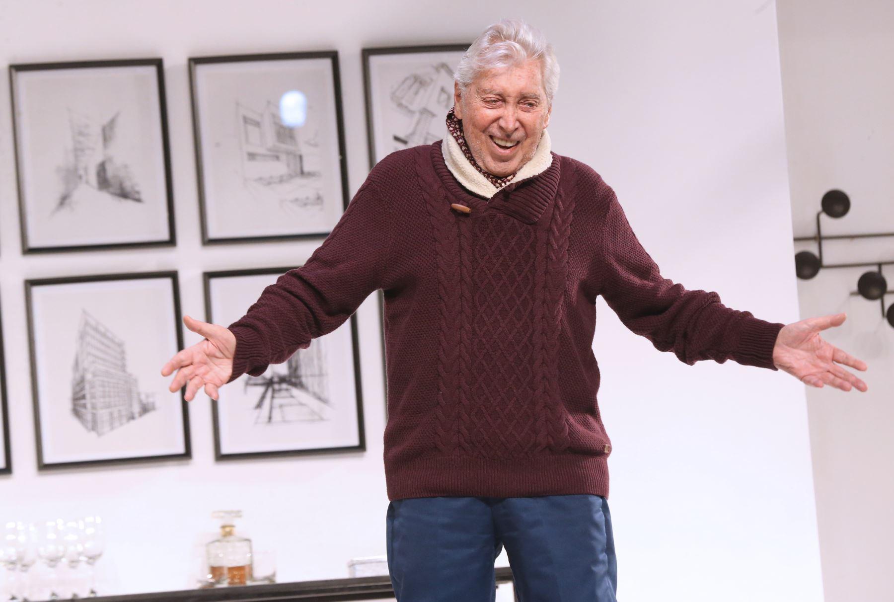 """Presentación de la obra teatral """"El Padre"""" con Osvaldo Cattone. Foto: ANDINA/Norman Córdova"""