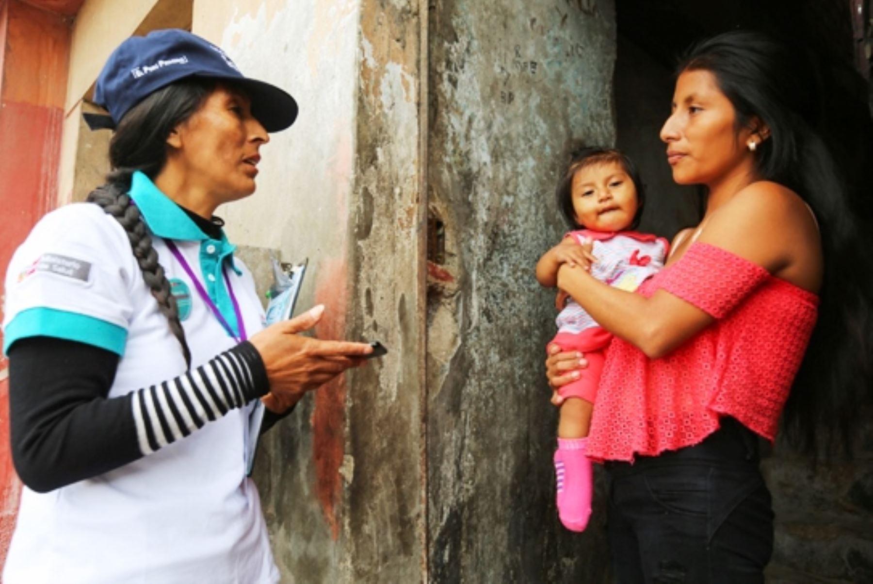 Actores sociales capacitados por el Ministerio de Salud visitaron más de 100,000 hogares del país para prevenir y combatir anemia. ANDINA/Difusión