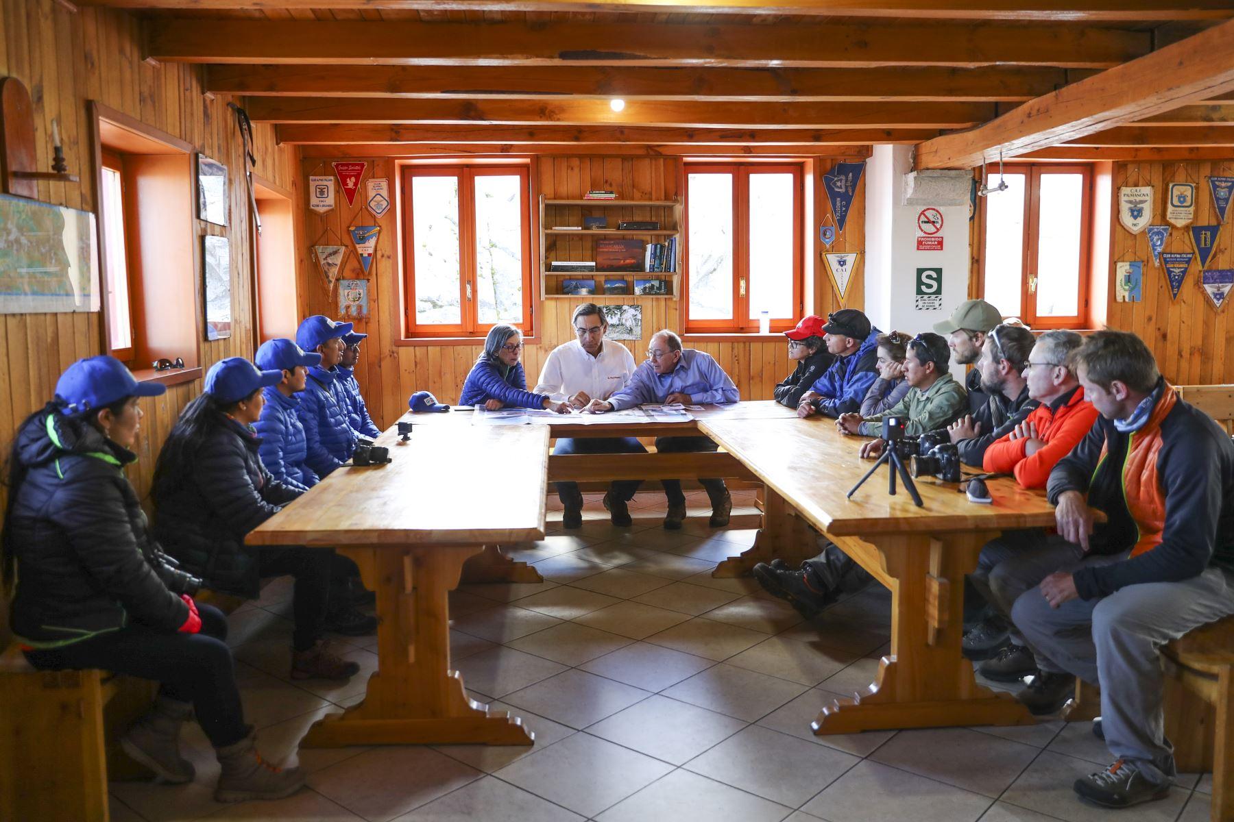 """Presidente Vizcarra visita a la expedición científica """"Huascarán 2019"""", en la provincia de Yungay, región Ancash Foto: ANDINA/Prensa Presidencia"""