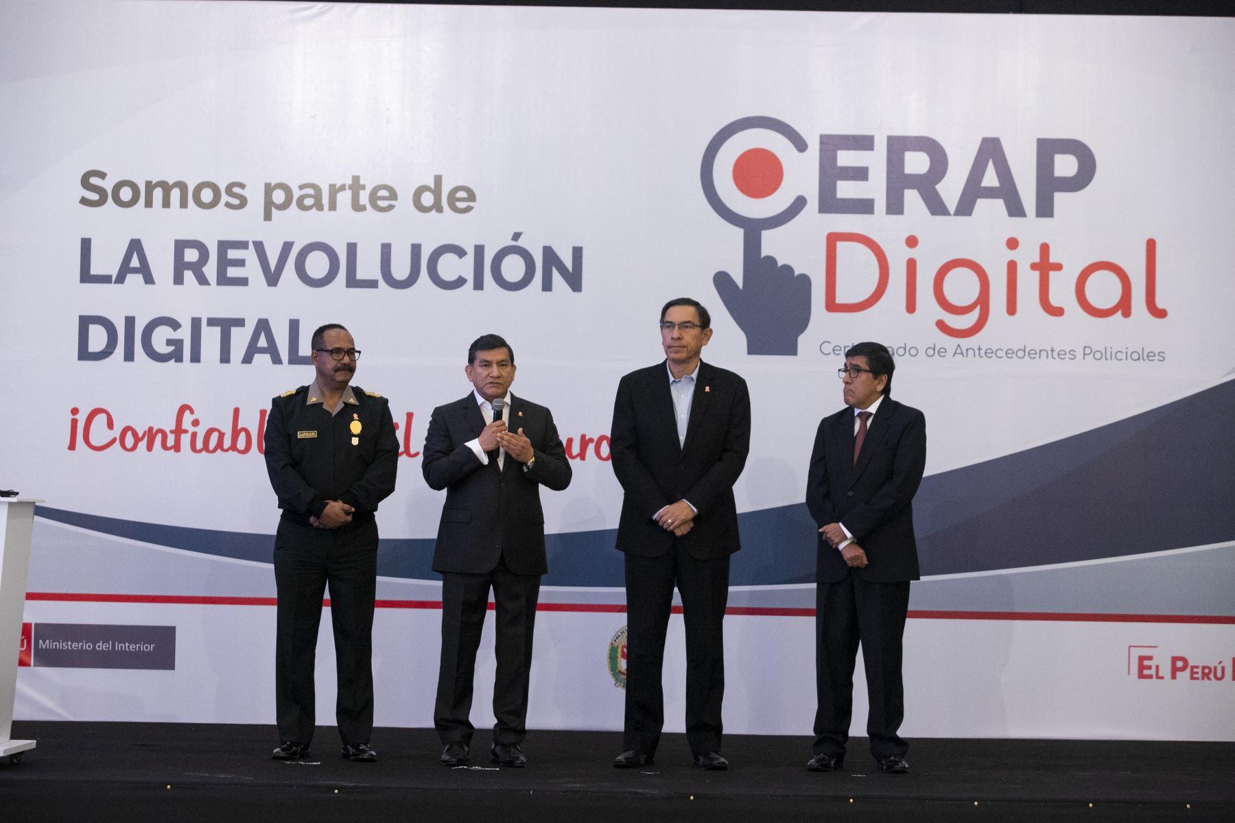El presidente Martin Vizcarra, junto al ministro del Interior, participa de la presentación del nuevo servicio de emisión de Certificados de Antecedentes Policiales Digitales. Foto: ANDINA/ Prensa Presidencia