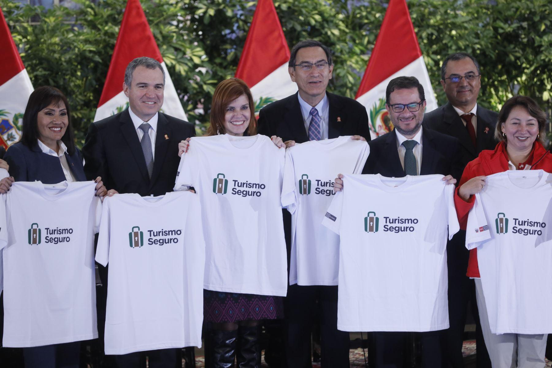 Gobierno impulsa campaña para garantizar el turismo seguro.