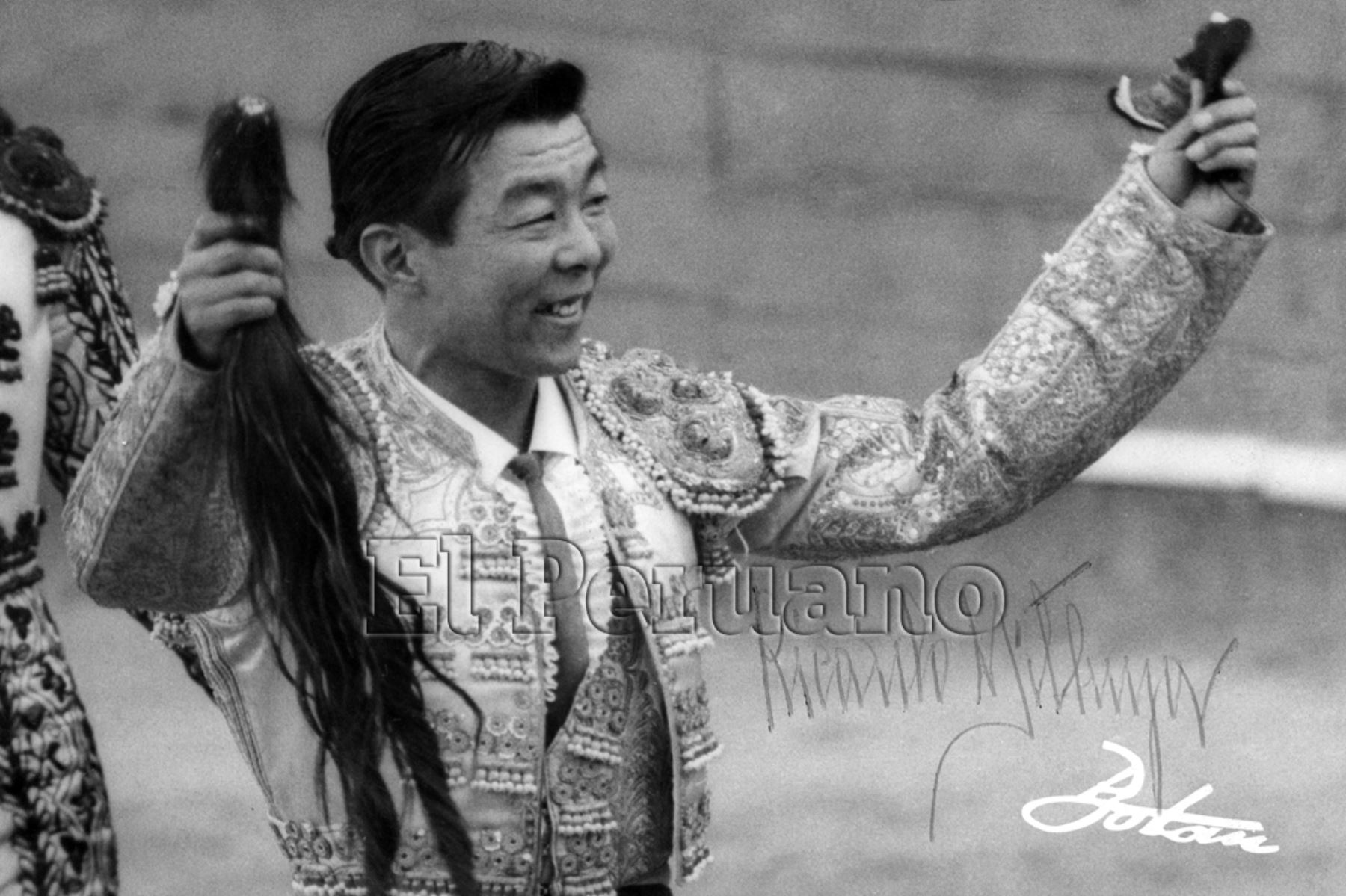 "Madrid - década 60 / Torero Ricardo Higa ""Mitsuya"" ."