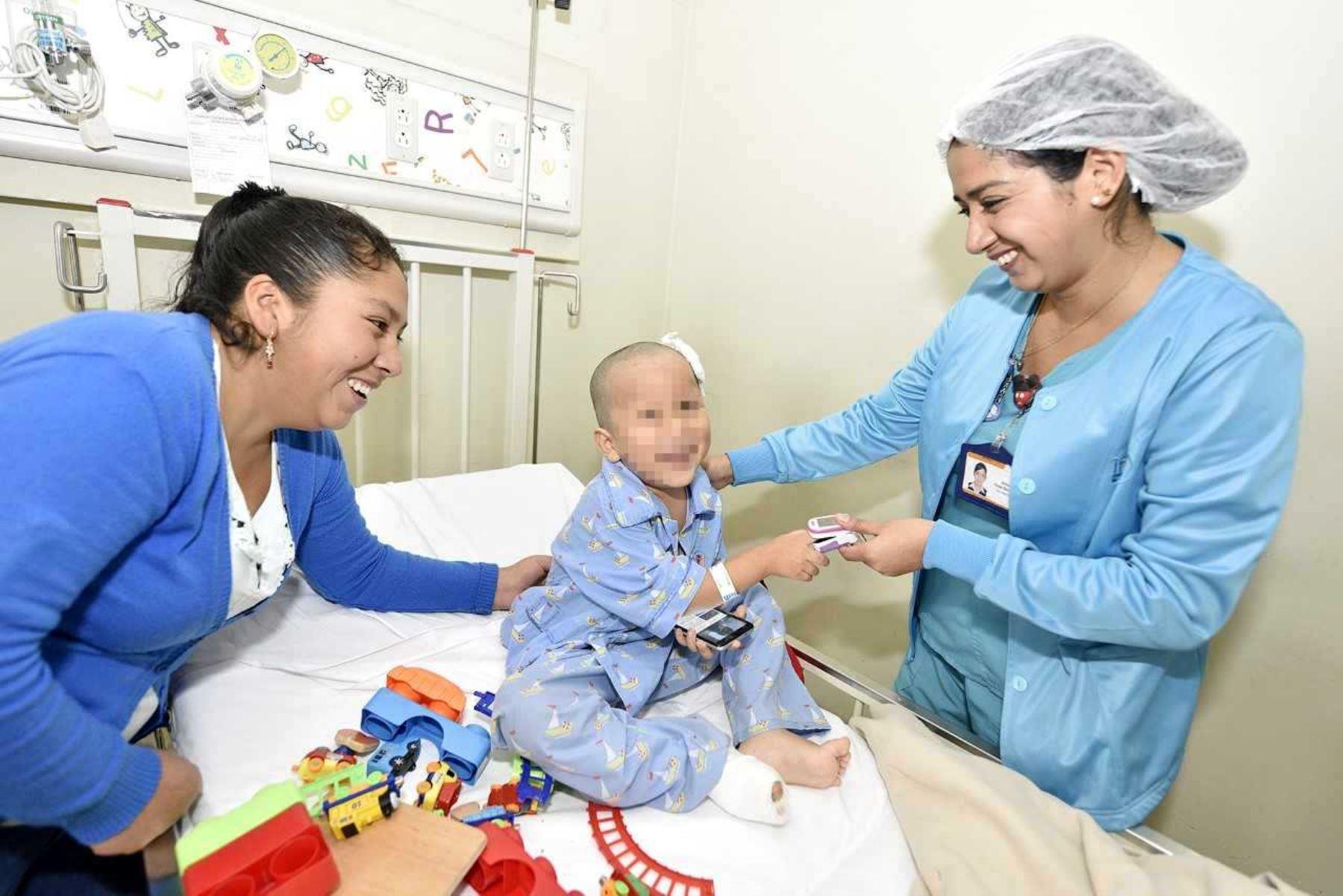 Médicos evitan amputación de dedos del pie de niño atropellado por profesora. Foto: ANDINA/Difusión.