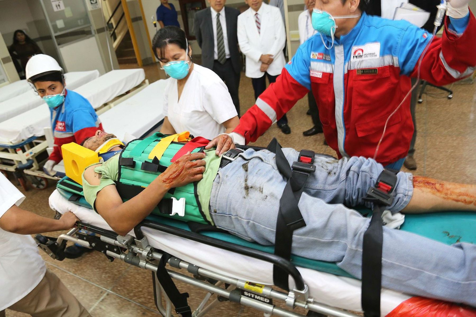 Hospitales o clínicas no deben exigir pago o trámite alguno en una emergencia. Foto: ANDINA/archivo.