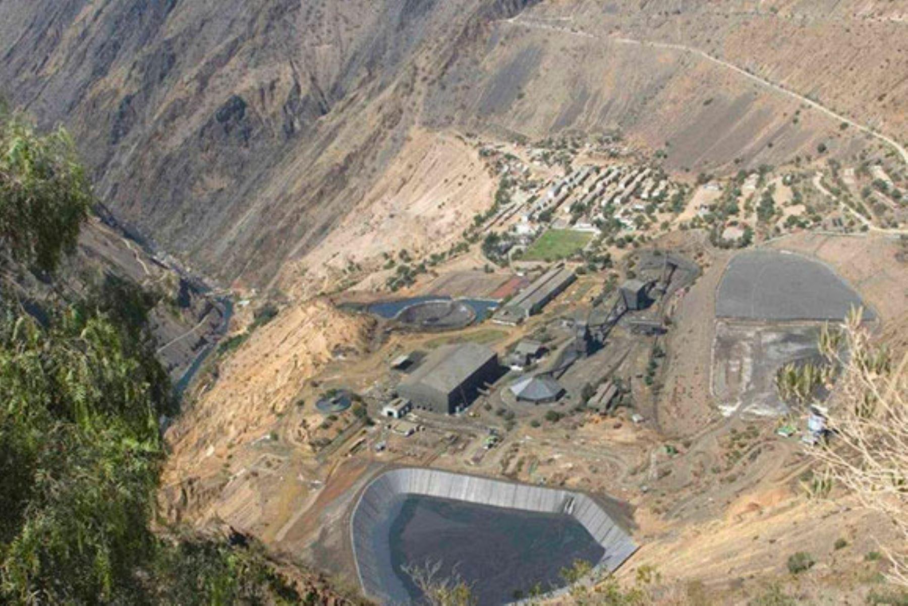 La unidad minera Cobriza se encuentra ubicada en el distrito de San Pedro de Coris, provincia de Churcampa, en la región Huancavelica.
