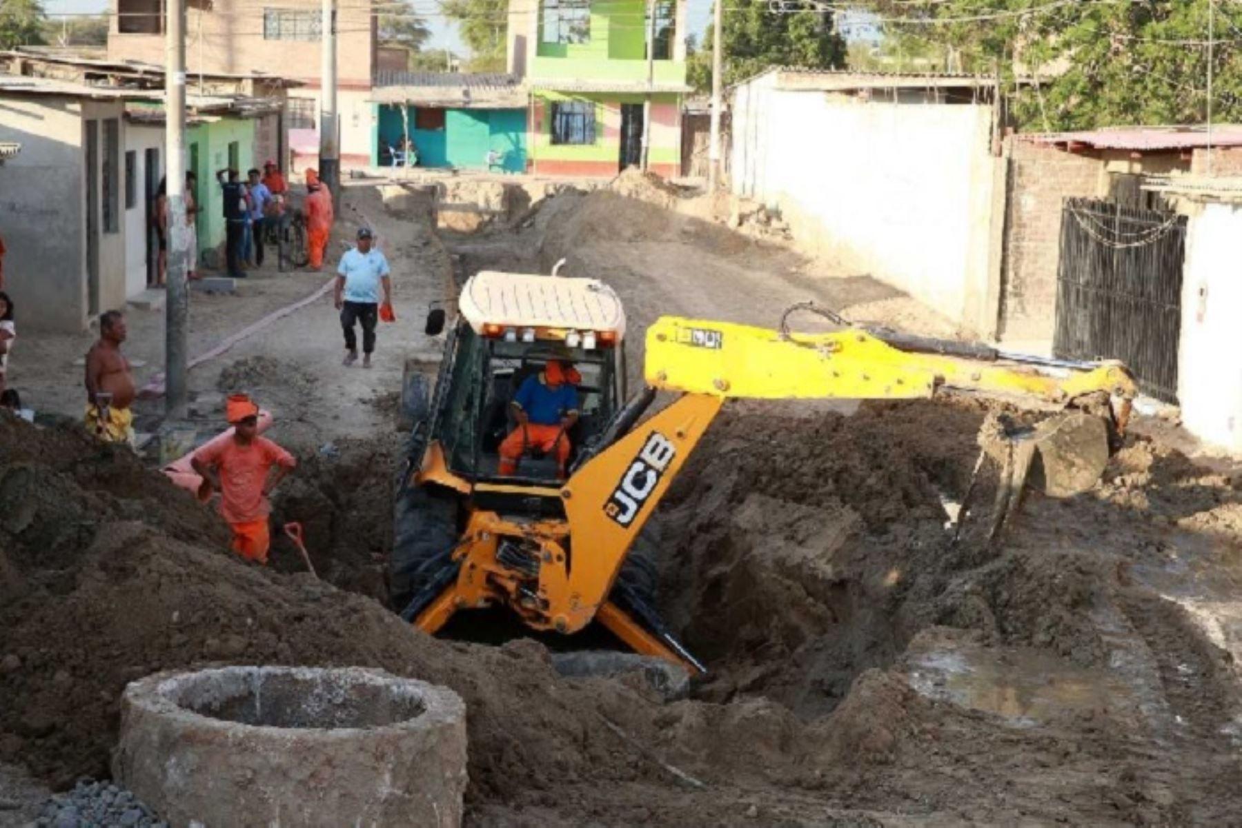 La Autoridad para la Reconstrucción con Cambios (ARCC) dispuso el cambio de unidad ejecutora de 19 intervenciones de agua y saneamiento para que sean realizados por los distritos lambayecanos de Túcume, Motupe y Mochumí en el menor tiempo posible, y con una inversión de S/ 18.5 millones.
