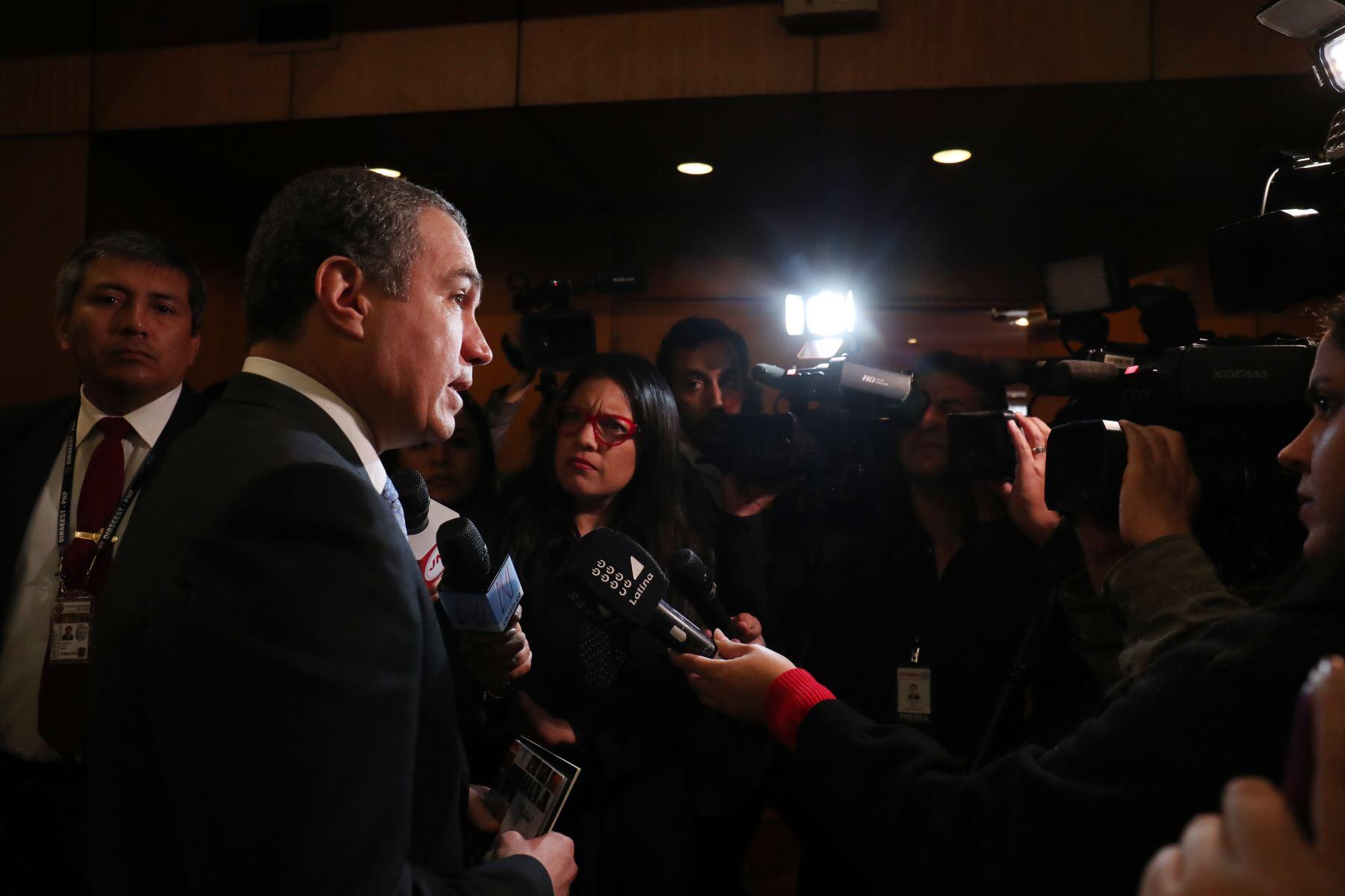 """Titular de la PCM Salvador del Solar  participó en la mesa de diálogo """"Hombres apoyamos la paridad y alternancia"""".Foto:ANDINA/PCM"""