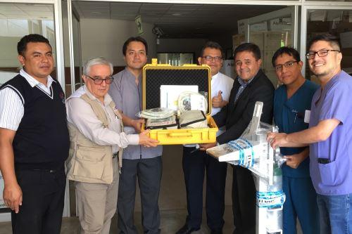 Autoridades de Salud de Lambayeque entregan ventiladores mecánicos para atender casos de Guillain Barré. ANDINA/Difusión