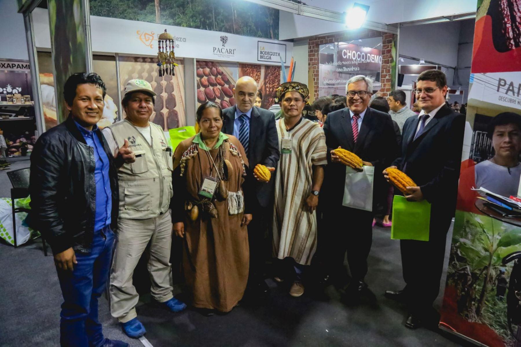 """Salón del Cacao y Chocolate: productores Yanesha presentan """"cacao sin deforestación"""" que contribuye con la conservación de los bosques y genera mayores oportunidades de desarrollo."""